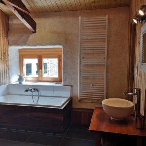 salle de bain améthyste